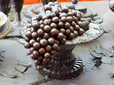 Chocolate grapes by Gerhard Petzl (image from outforalunch.com)